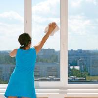 Καθαριστικά για γυάλινες επιφάνειες